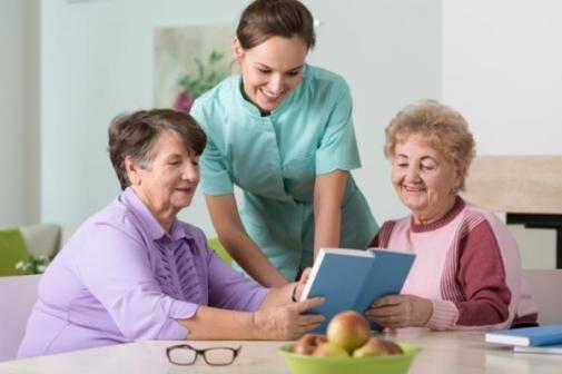 رعاية مسنين elderly care